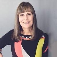 Sue Pera headshot